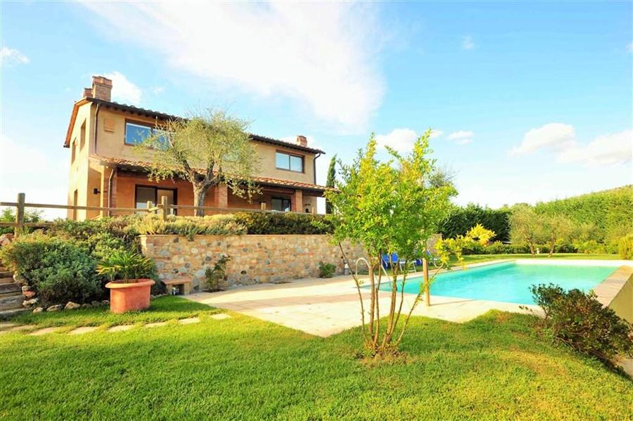 Certaldo rustico casale garage balconi cantina pr234 for Piani casa bungalow con cantina e garage