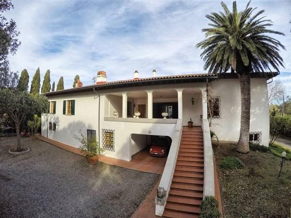Villa - Vendita - Cecina